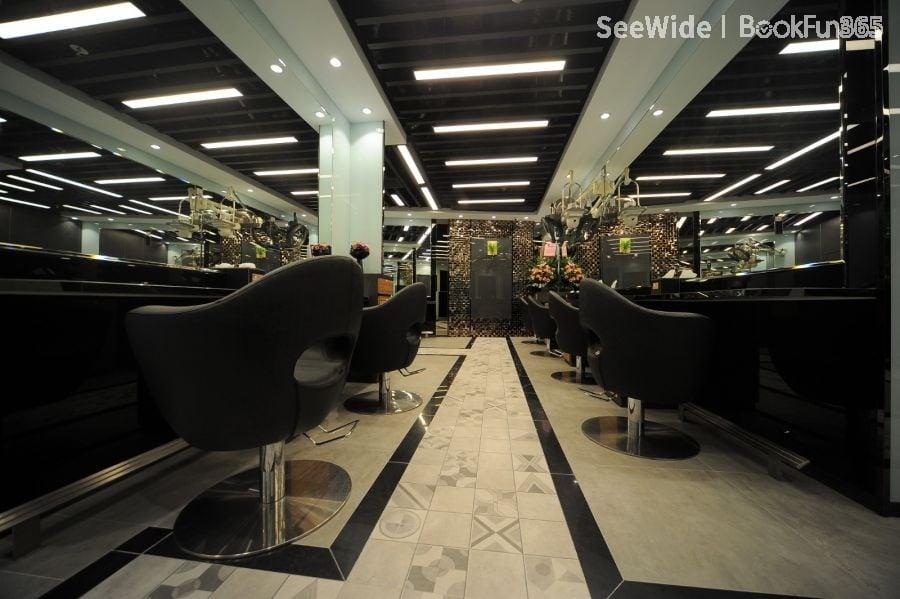 Salon Reflection